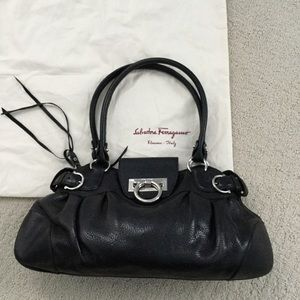 🎉REDUCED🎉Authentic Ferragamo small shoulder bag